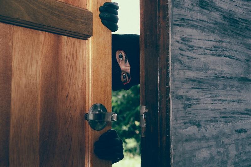 W jaki sposób możemy powstrzymać włamywacza i jaka brama garażowa będzie bezpieczna w użytkowaniu?
